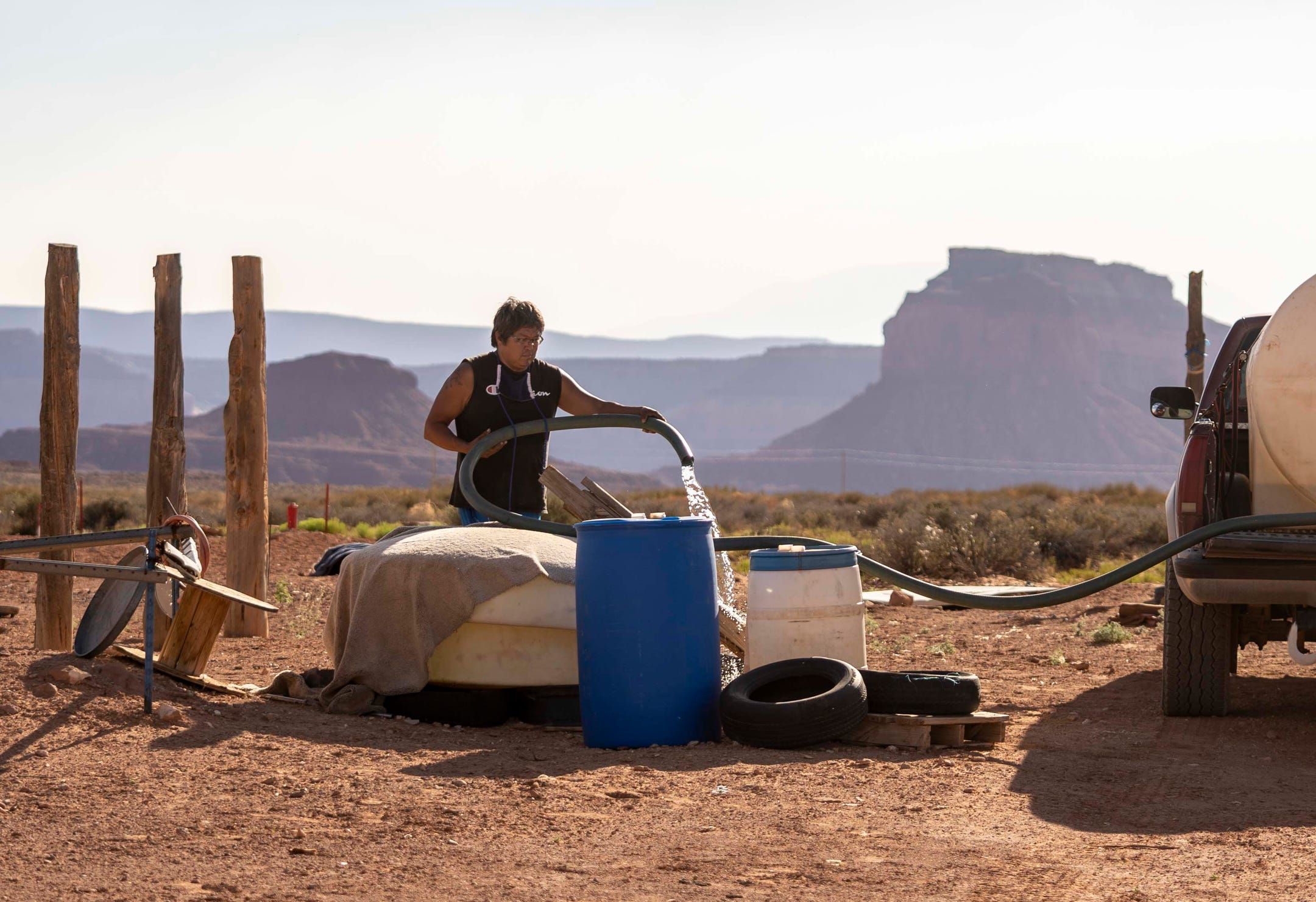 Waiting-for-water-On-the-Navajo-Nation-long-lines-scarce-resources-a-cry-for-solutions